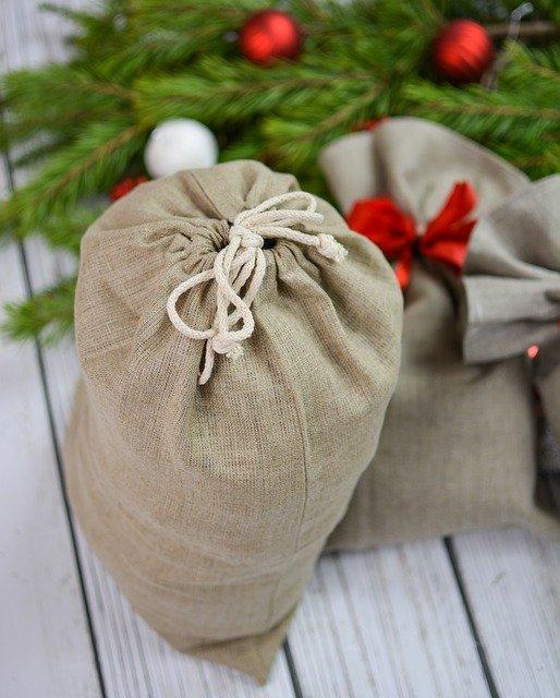 Мешочек с подарками к новому году и рождеству