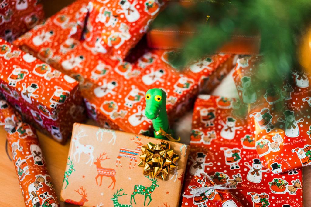 Оформление подарка на новый год ребенку