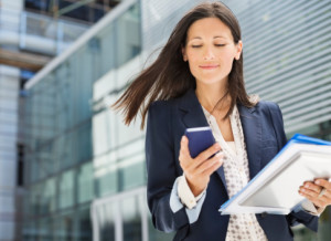 business-woman-using-mobile-phone