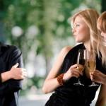 7 основных признаков того, что ты нравишься парню