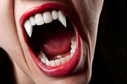 Как сделать вампирские клыки в домашних условиях фото 936